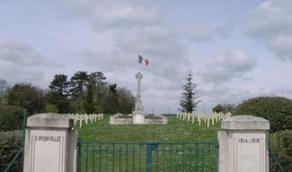CIMETIÈRE MILITAIRE FRANÇAIS - Lironville
