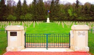 NECROPOLE FRANCAISE - Lacroix-sur-Meuse