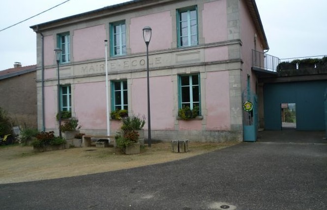 GITE DE GROUPES 1 - Saint-Julien-sous-les-Côtes